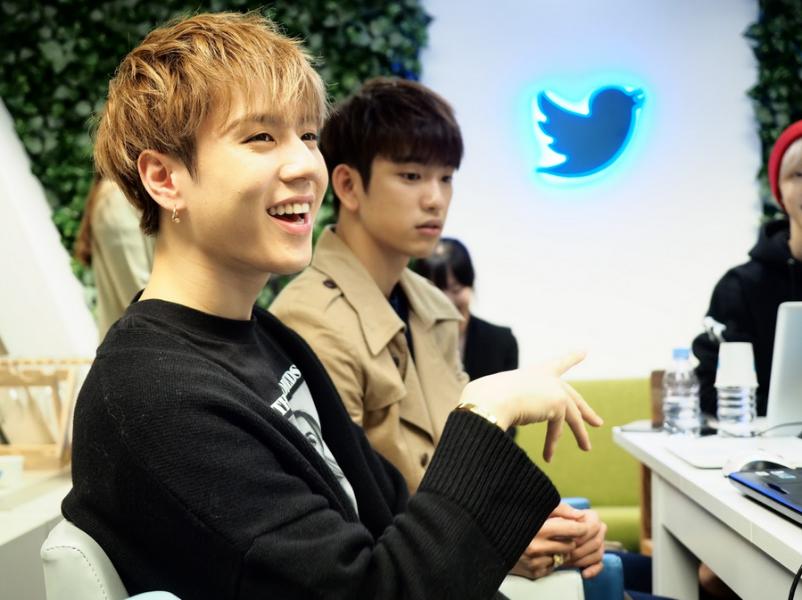 최초의 #BlueRoom 방문, GOT7의 '니가 하면' 컴백 기념 Twitter 멘션파티