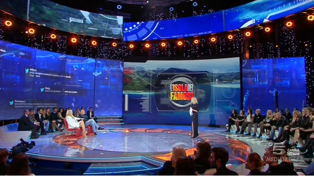 Italy's major network Mediaset used Curator to display Twitter reactions during a popular reality show. Courtesy of Mediaset.